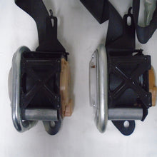 Load image into Gallery viewer, 2006 - 2007 Subaru Impreza Front Driver and Passenger Seat Belt (pair)