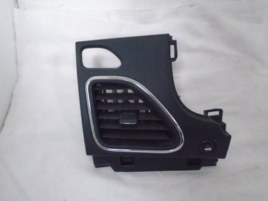 2013 chrysler 200 left side panel with air vent