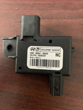 Load image into Gallery viewer, Hyundai Santa Fe Occupant Module PN:88952-B8500
