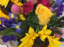 Load image into Gallery viewer, Mixed flower bunch delivered to Tugun, Bilinga Flowers, Mothers Day flowers Gold Coast