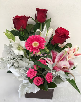 Endure Valentines roses and mixed flowers Gold Coast Delivery, Tugun, Palm Beach