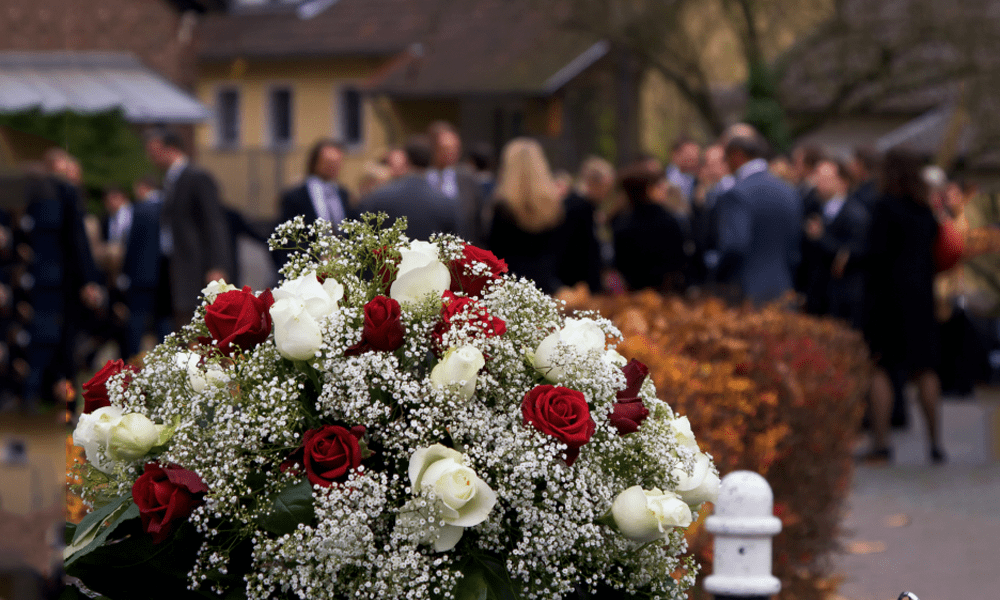 How to Choose Funeral Flowers