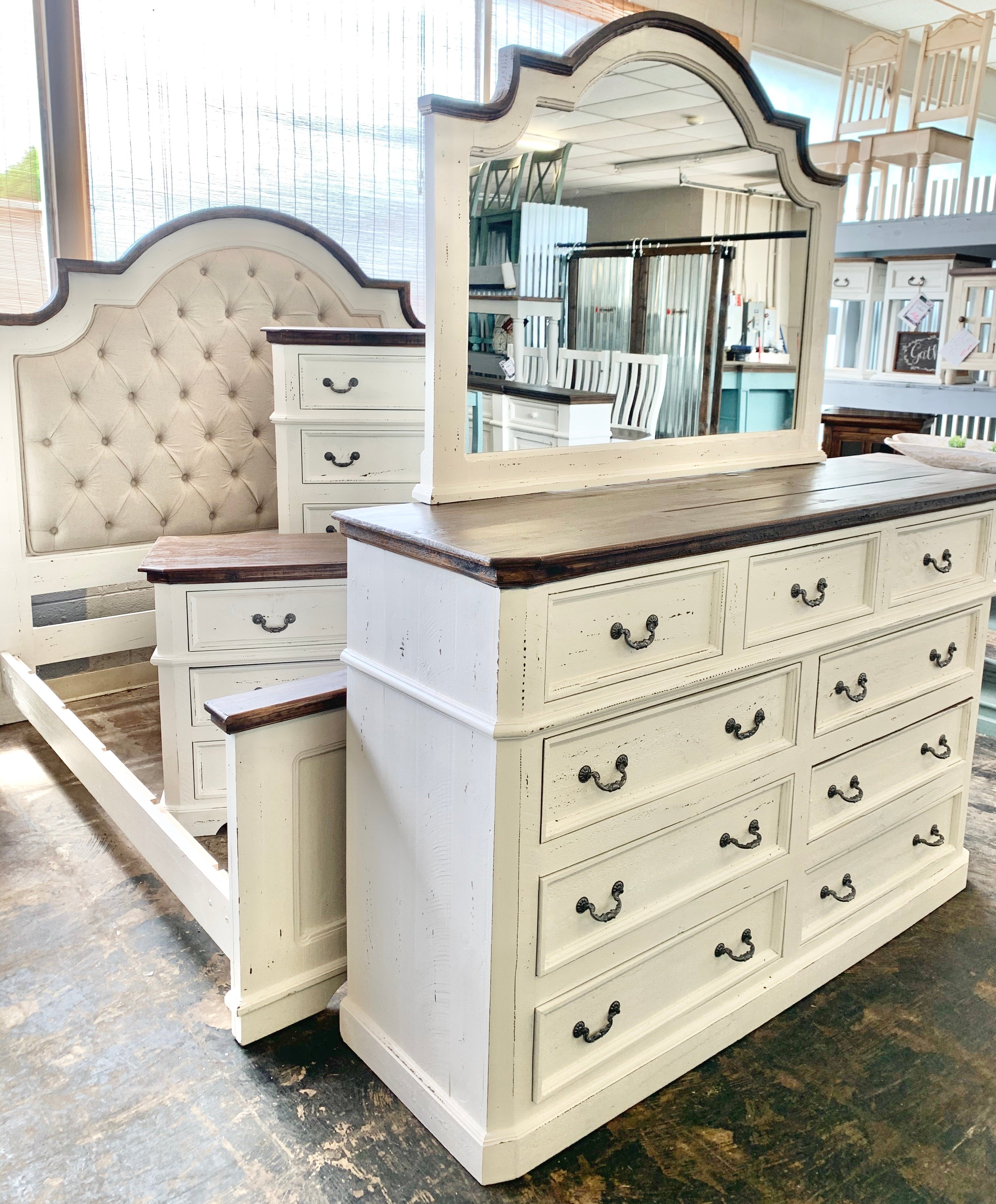 Courtney Queen White Bedroom Set