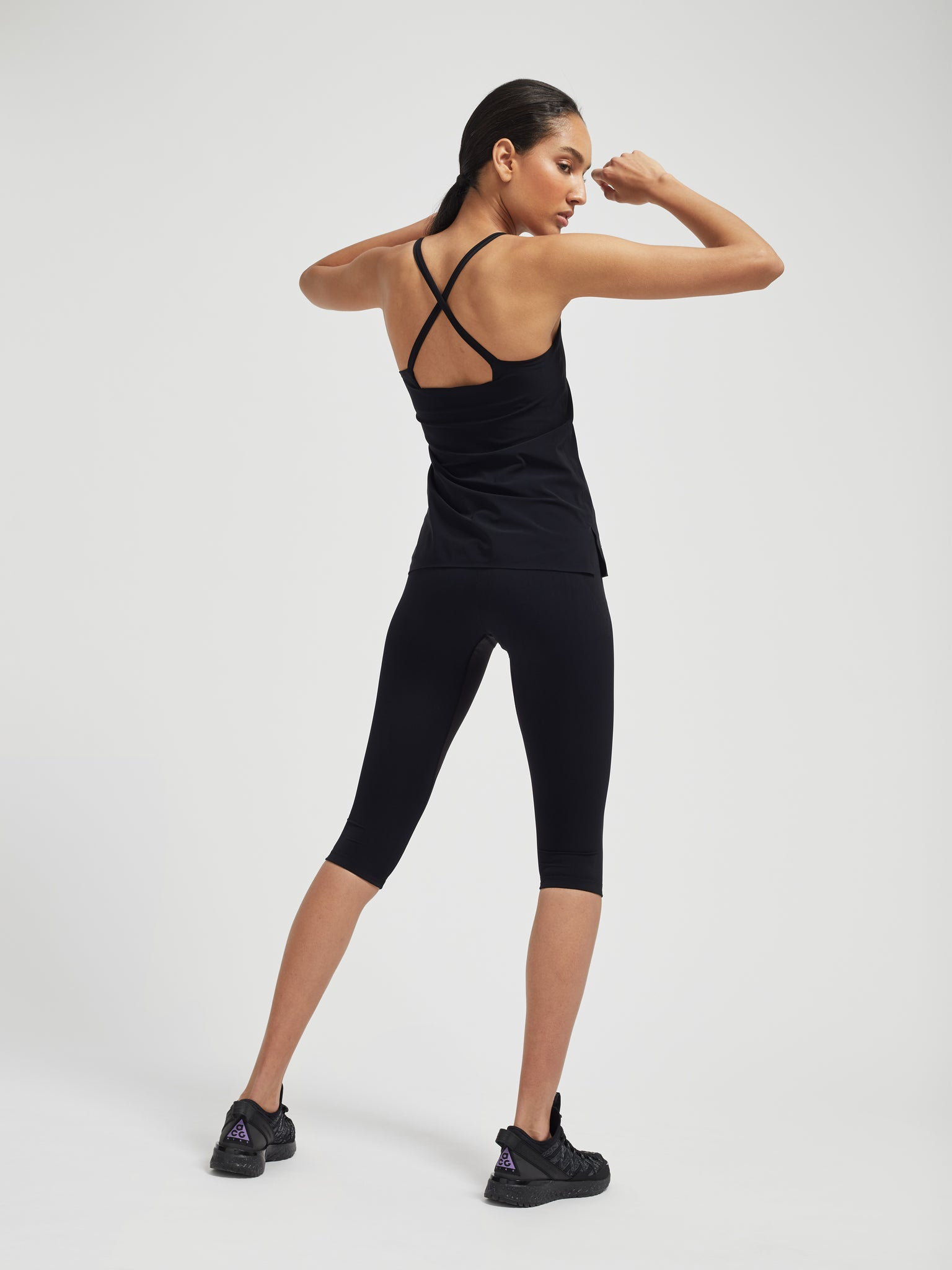 Performance V2 Capri Leggings