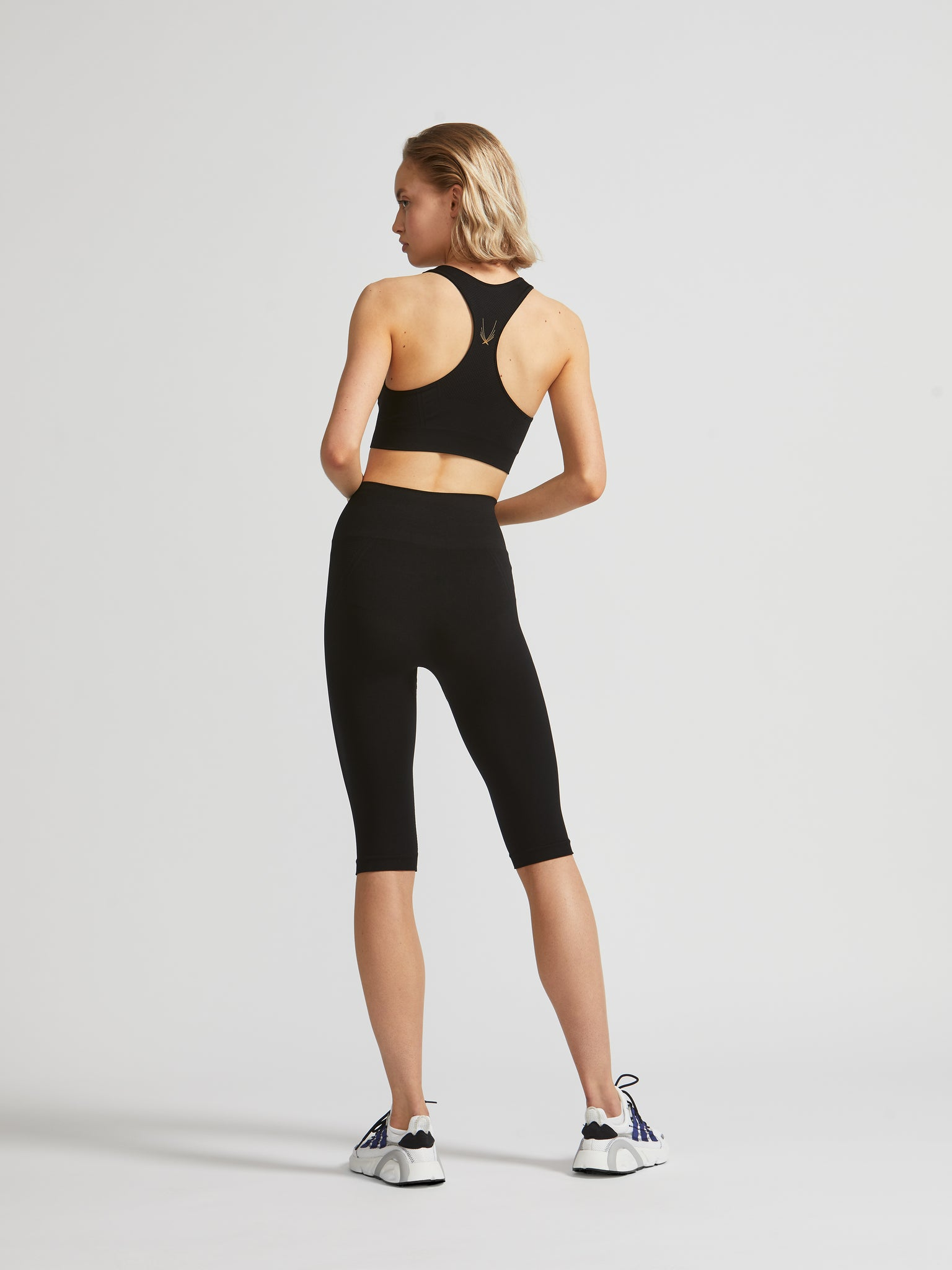 Technical Knit Capri Leggings