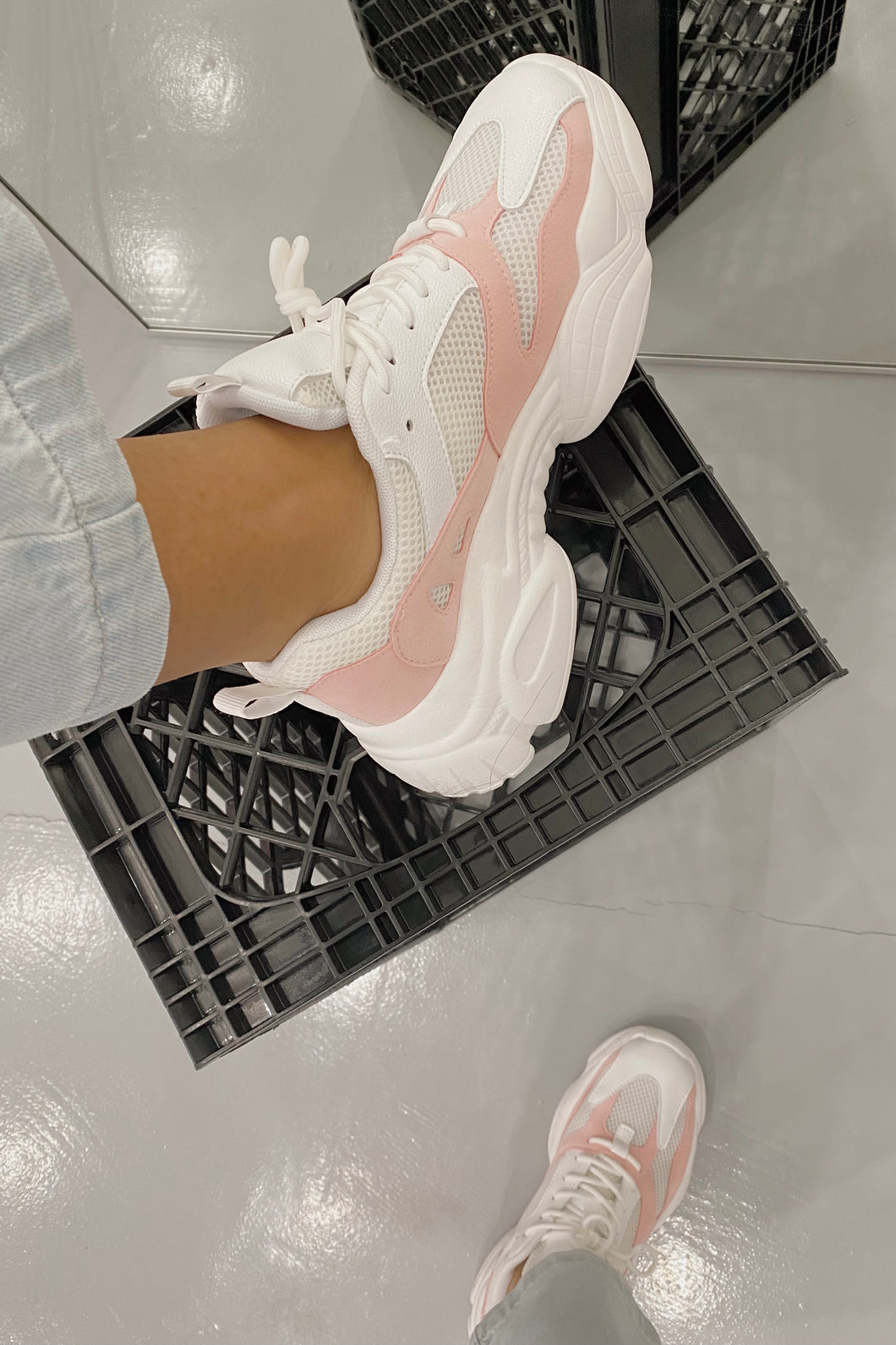 Blush Sneakers (White/Pink)