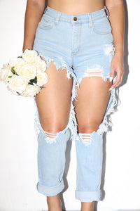 Jordan Distressed Mom Jeans (Faded Light Denim)