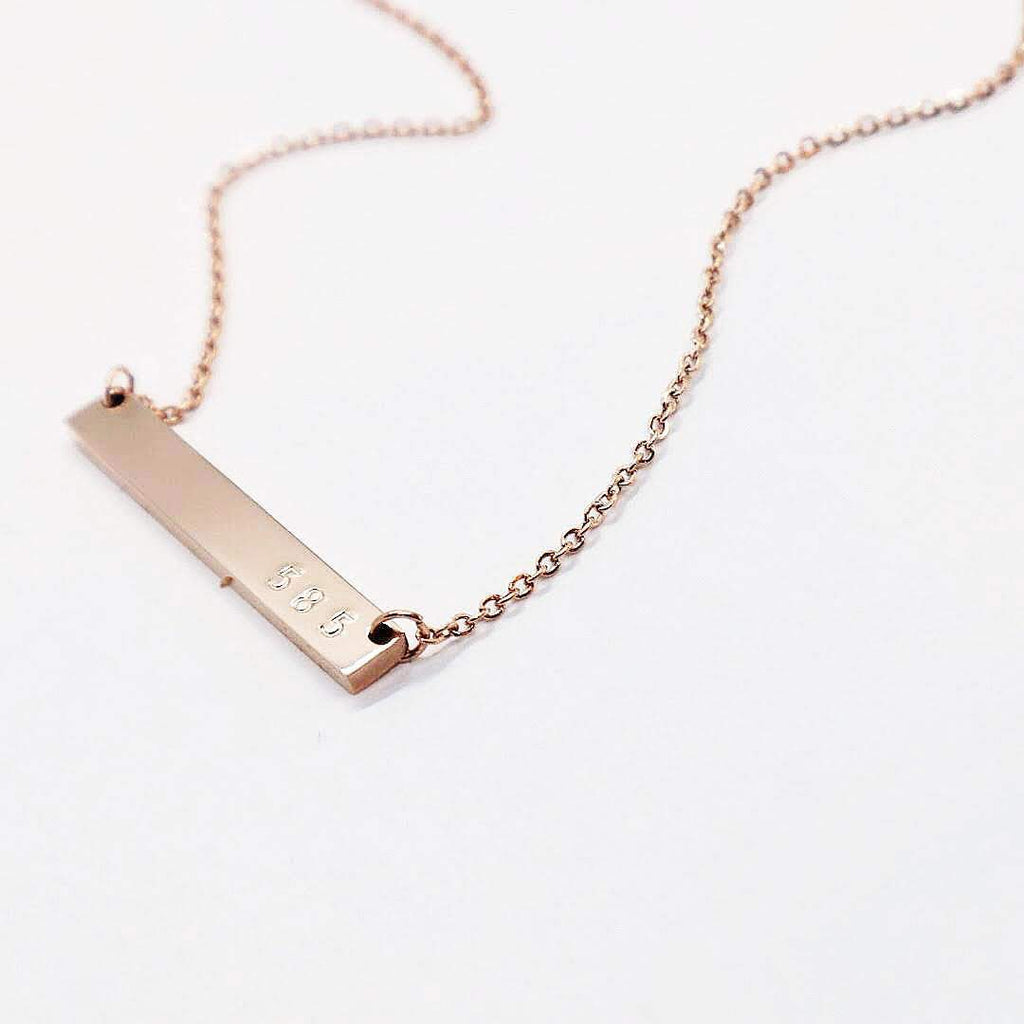 585 BAR NECKLACE