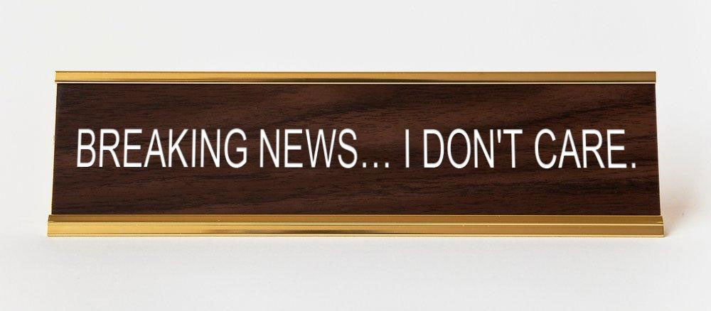 BREAKING NEWS DESKPLATE