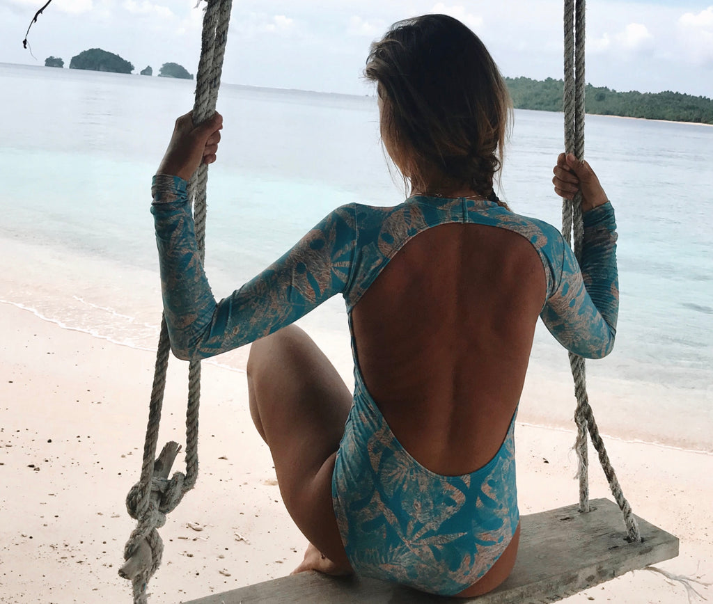 Tropical BlueGold print surf body