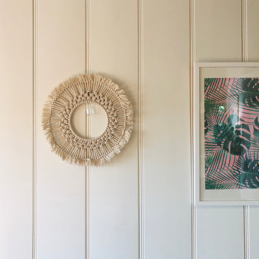 MACRAME WALL HANGING x Round with Clear Quartz