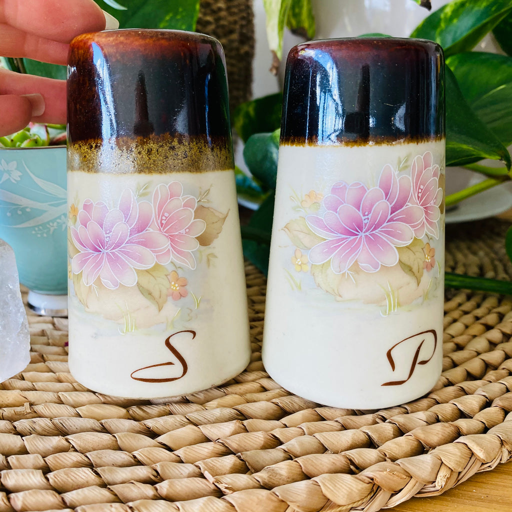 Retro Salt + Pepper Shakers