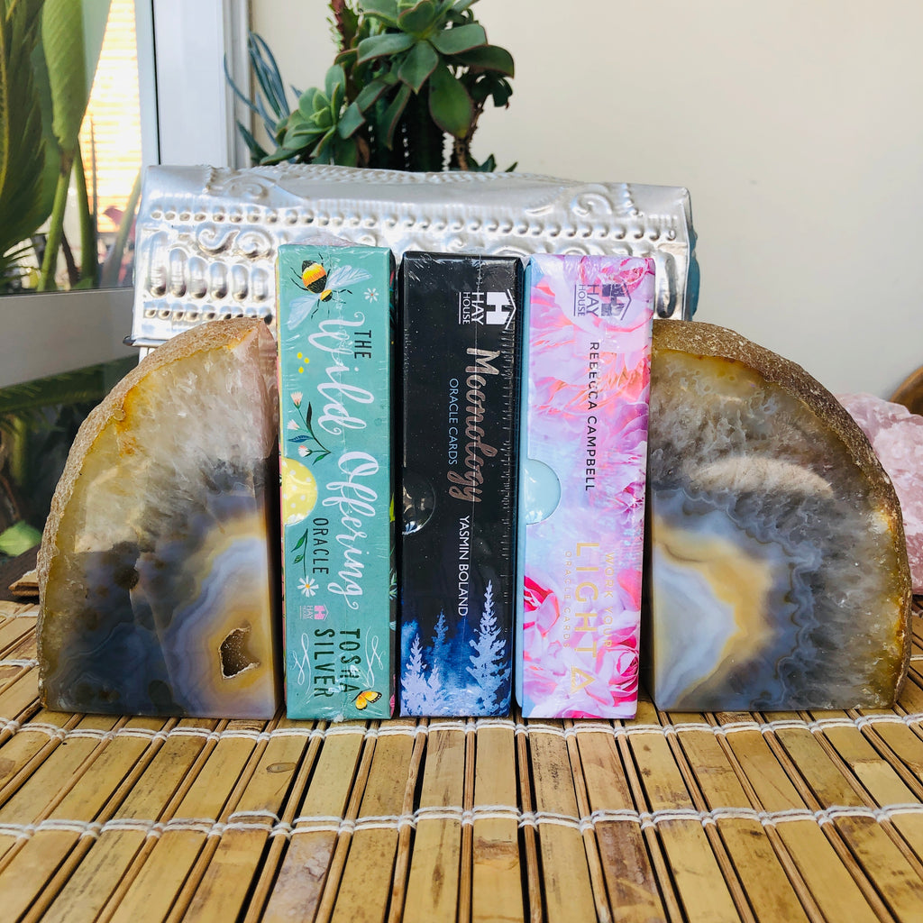 Agate x Book Ends