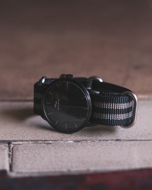 Nylon Strap in Black+ Gray - 20mm