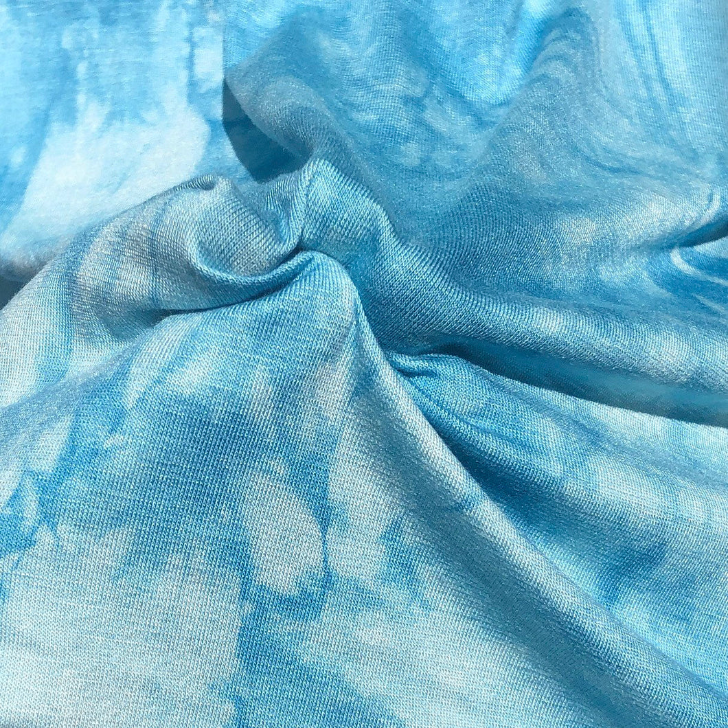 "60"" Bamboo Spandex Lycra Stretch Tie Dyed Sky Blue & White Cloud Apparel Knit Fabric By the Yard - APC Fabrics"