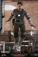 Load image into Gallery viewer, Hot-Toys-Tony-Stark-Mech-Test