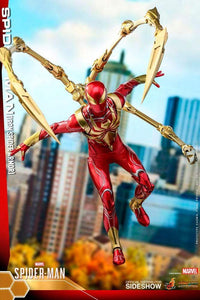 Hot-Toys-Iron-Spider