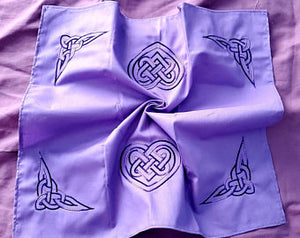 Celtic Heart Knot Altar Cloth/Wrap *Purple* - The Crows Knot