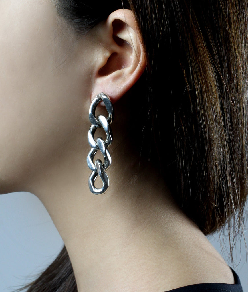 CHAIN MY SOUL Chain Earrings  (Silver)