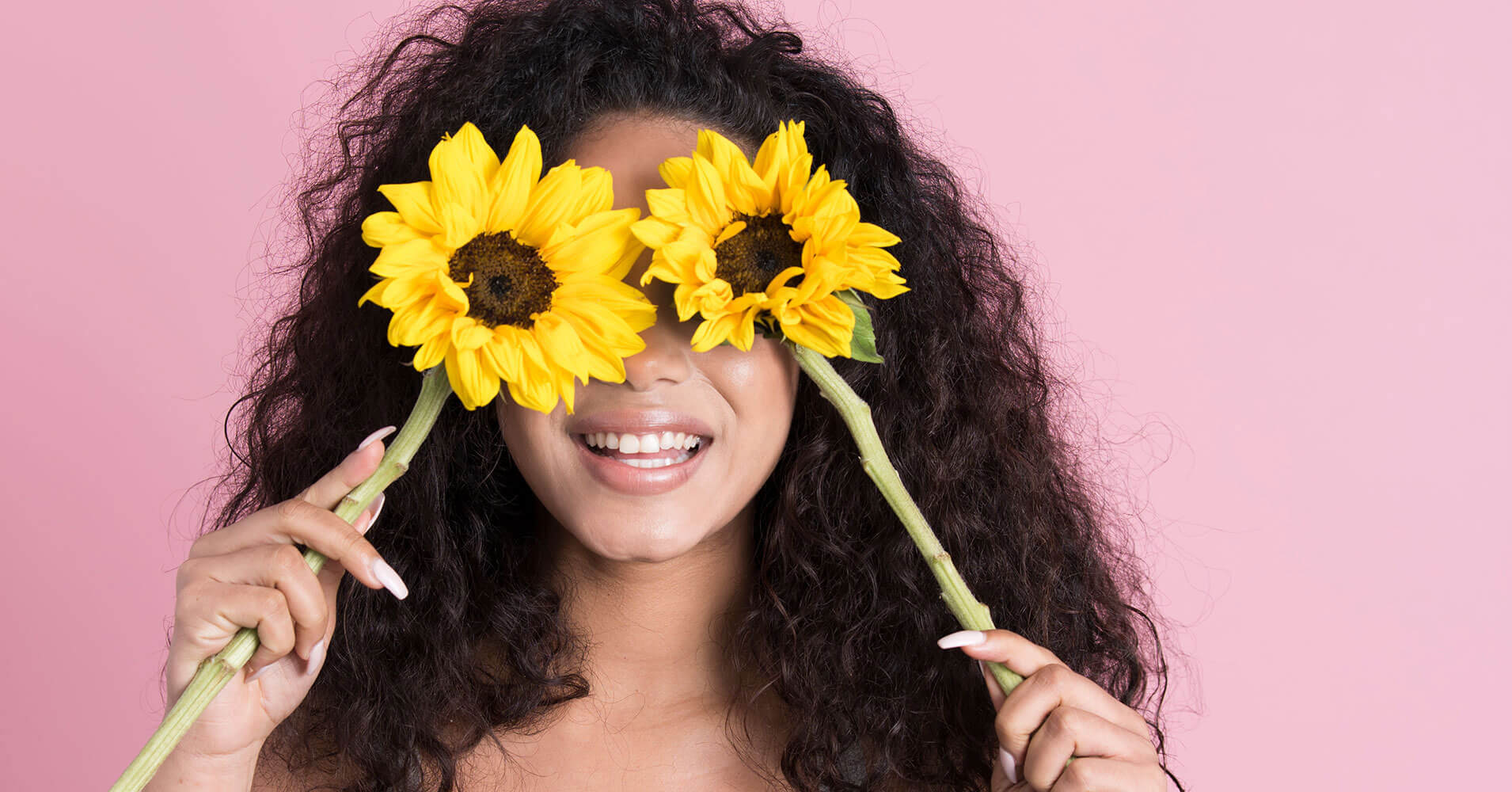 Eyes eyes baby - natural eye cream by Fleur & Bee - with woman holding sunflower