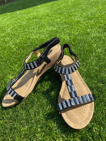 Lunar Reynolds Sandals