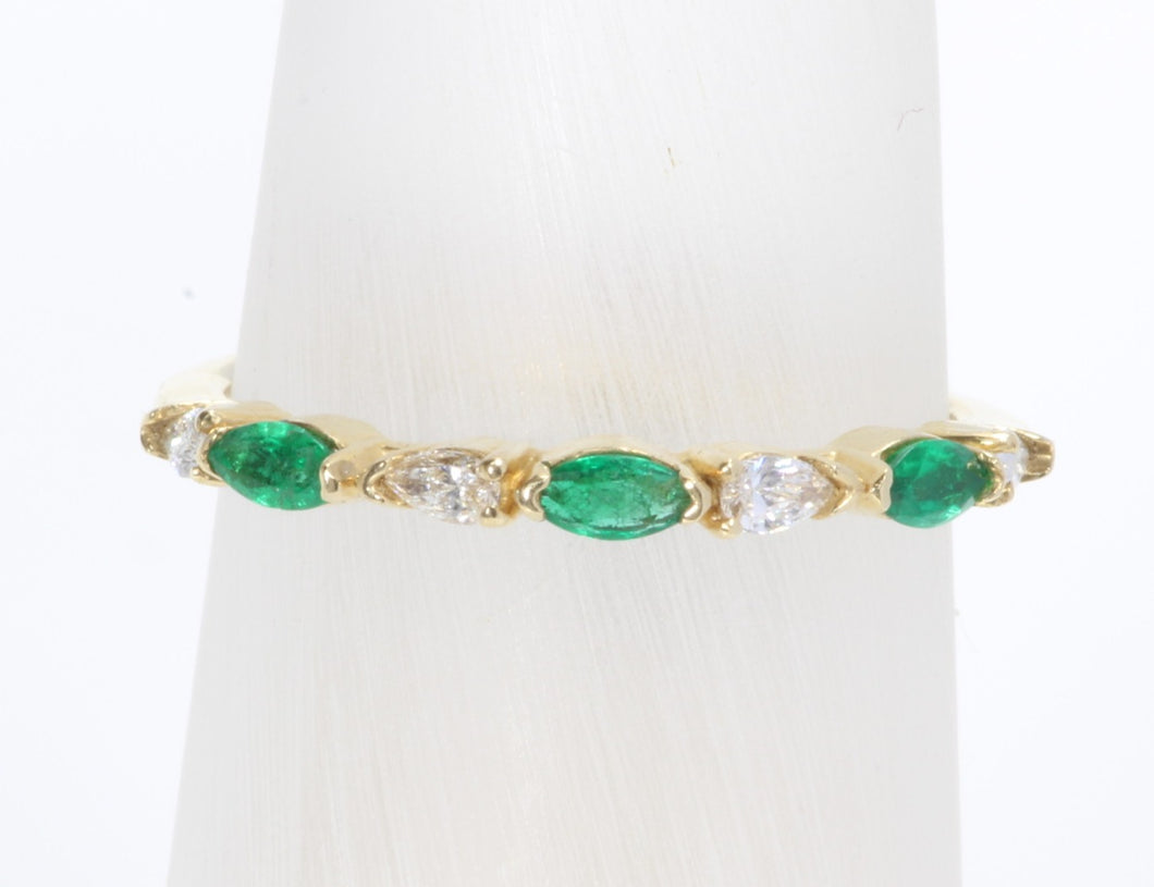 CUSTOM 14K GOLD EMERALD & DIAMOND BAND RING SIZE 7
