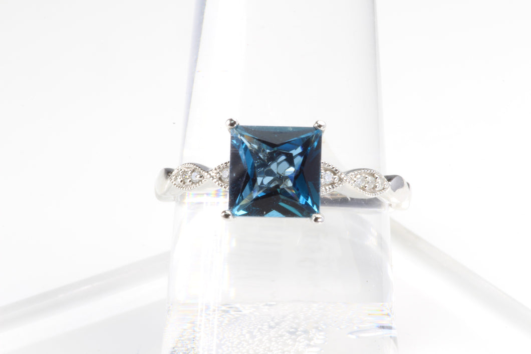10k WHITE GOLD LONDON BLUE TOPAZ DIAMOND RING SIZE 7
