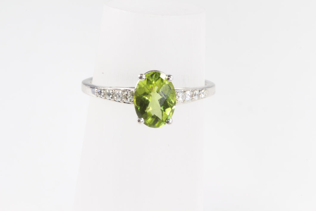 14K WHITE GOLD 1.23ct PERIDOT DIAMOND RING SIZE 6.75