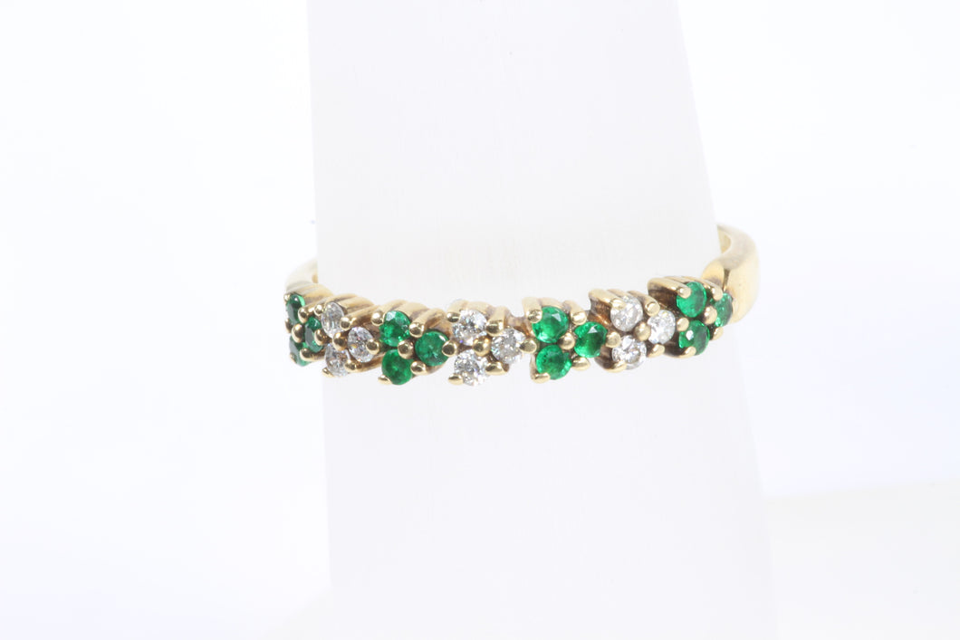 14K YELLOW GOLD .13ctw EMERALD .13ctw DIAMOND BAND RING 8.5