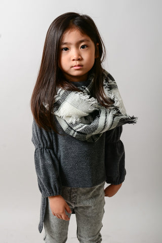 YOUTH BLACK & WHITE FLANNEL FRAYED EDGE SCARF