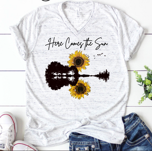 PRE-SALE HERE COMES THE SUN GRAPHIC TEE