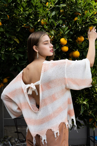 POL - PEACH & WHITE WATERCOLOR LIGHTWEIGHT DISTRESSED SWEATER