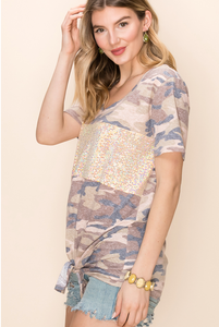 CAMO WITH PEACH SEQUIN DETAIL V-NECK SHORT SLEEVE TEE