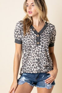 LEOPARD PRINT SHORT SLEEVE WITH FRONT BUTTON DETAIL