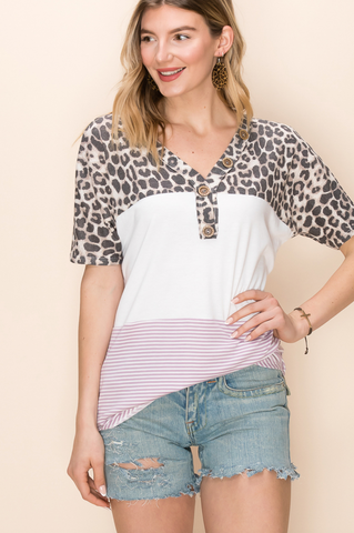 LAVENDER CHEETAH COLORBLOCK V-NECK TOP