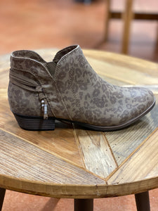 SUGAR- BROWN WASHED LEOPARD BOOTIES