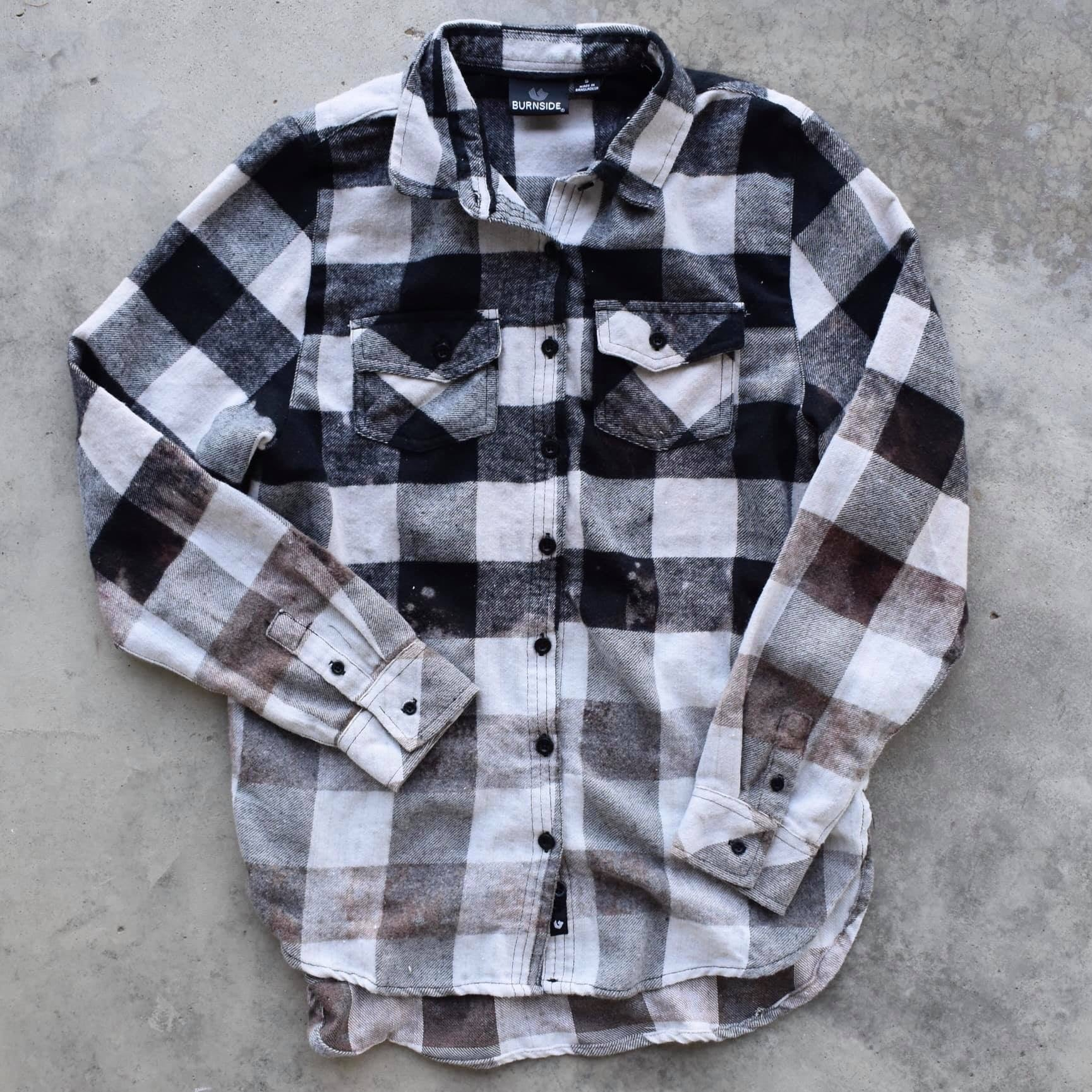 BLACK & WHITE DISTRESSED FLANNEL