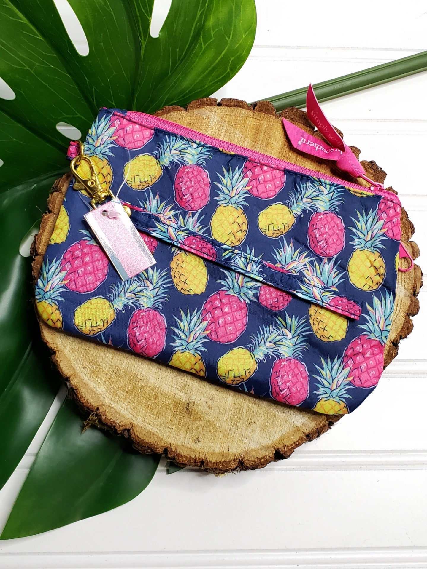 SIMPLY SOUTHERN PHONE WRISTLET- NAVY PINEAPPLE