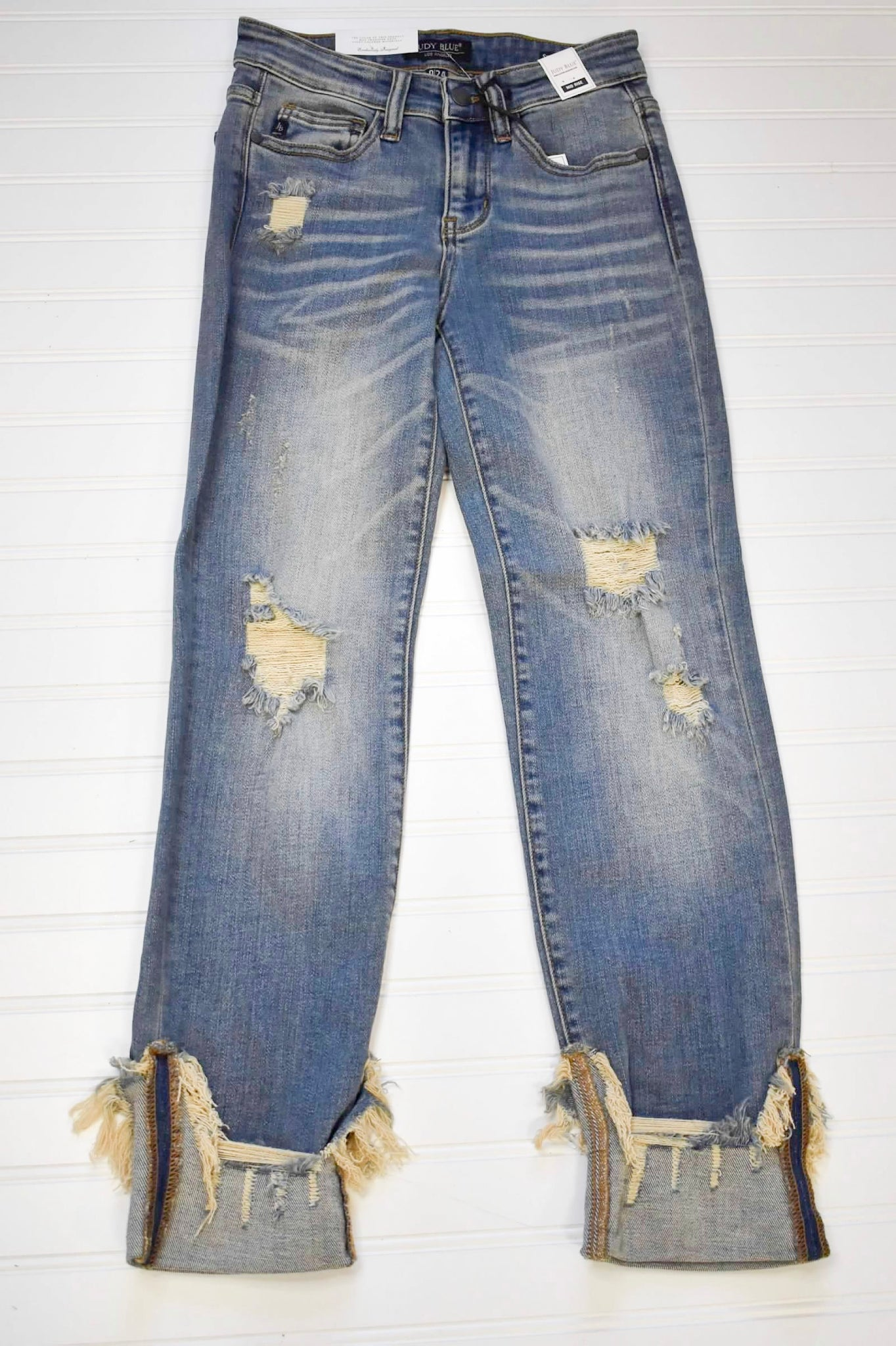 JUDY BLUE DESTROYED RELAXED FIT JEANS [82107]