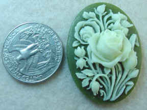 #272 - Vintage Molded Cameo
