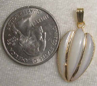 #372a - Gold Plate Mother of Pearl Pendant
