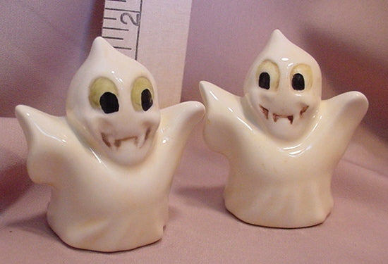 Ghosts Salt and Pepper Shakers SPGH