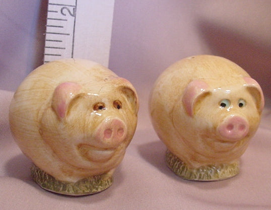 Pigs Salt and Pepper Shakers - SPPI2