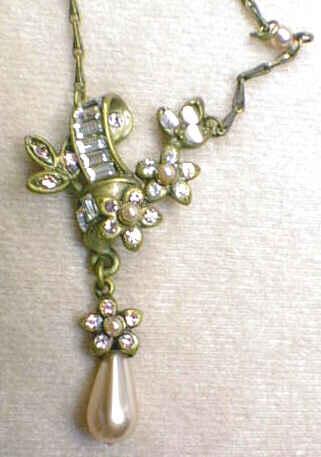 Pearl Dahlia/Forget-Me-Not Lavaliere - Pearl