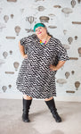 Cotton plus-size sack dress with pockets in black and white zig zag cotton