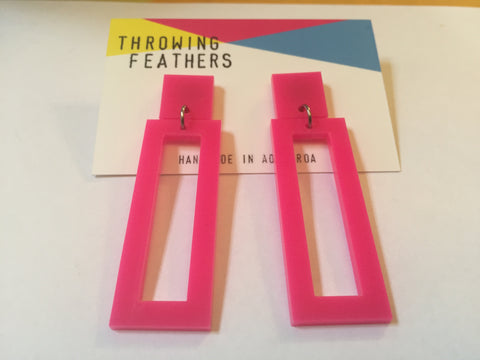 Huey dangle earrings in pink, size large