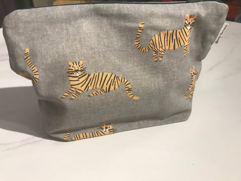 Zip purse - tigers print