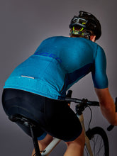 Load image into Gallery viewer, LÉGER Malibu Escape Cycling Kit Back View with pocket
