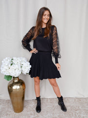 Lace sweater black