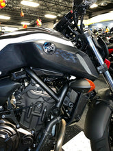 Load image into Gallery viewer, Real carbon fiber Fit Yamaha MT07 sides tank air inlets cover pad Trim cover